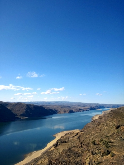 The Columbia River at it's very lowest..in a long time, anyway.