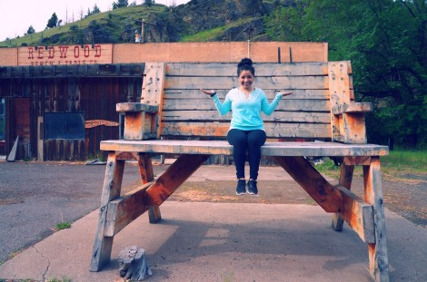 Giant bench, whaa?! You can't tell, but my stomach was still in terrible pain.