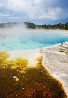 Yellowstone, Wyoming, Montana